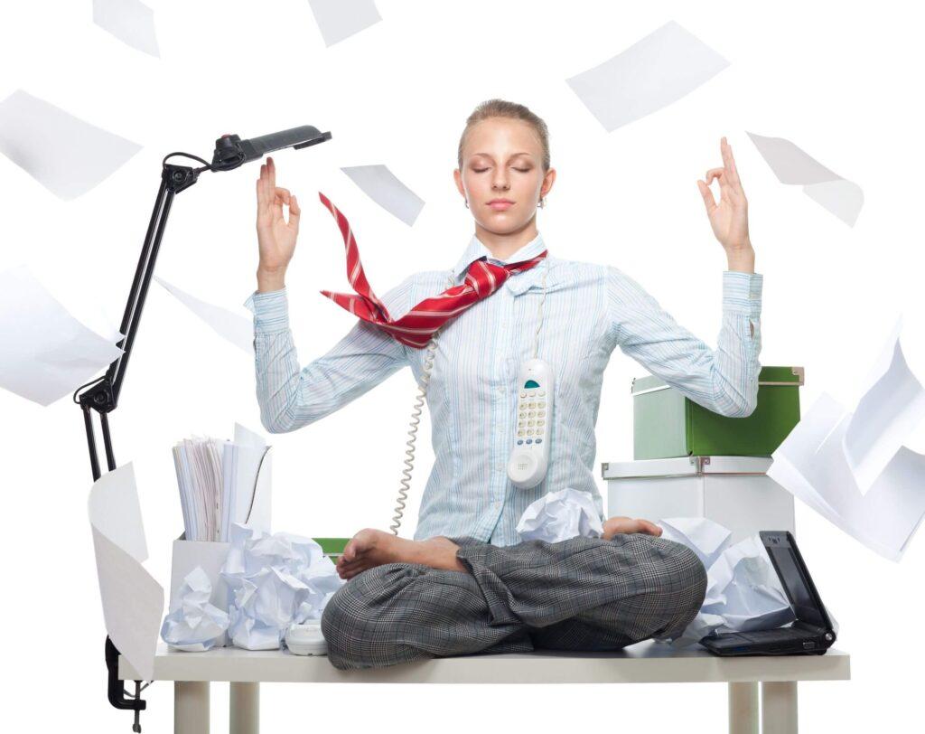 kobieta na biurku